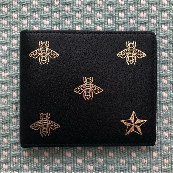 de8821ee371 Gucci Handbags - Gucci Bee Star leather bi-fold Men s Wallet